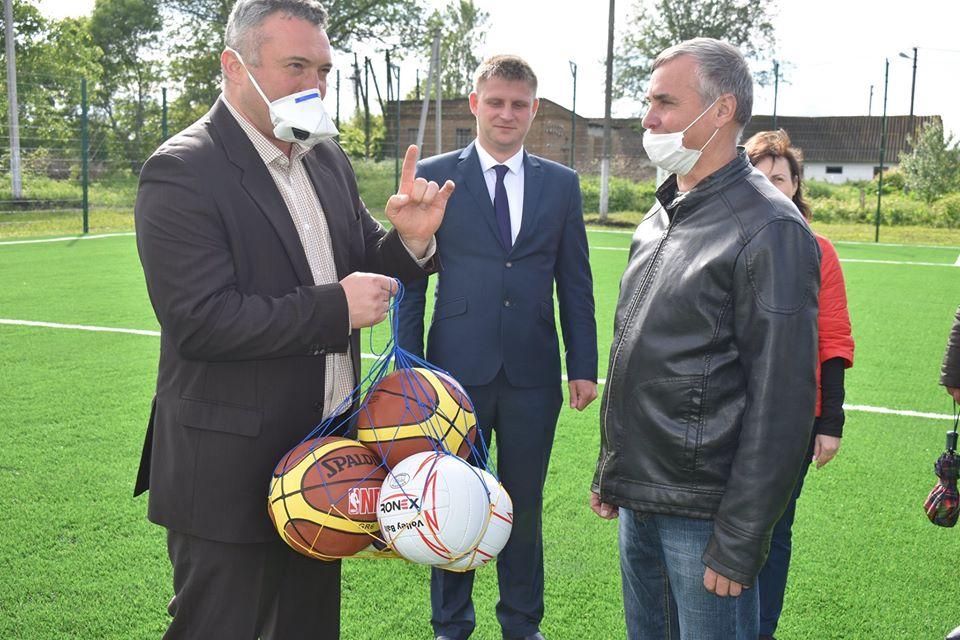 Відкриття футбольного поля в Згурівці. Фото'
