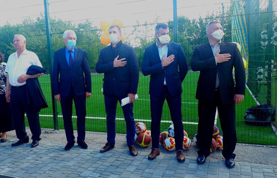 Відкриття спортивних майданчиків в с. Стайки. Фото