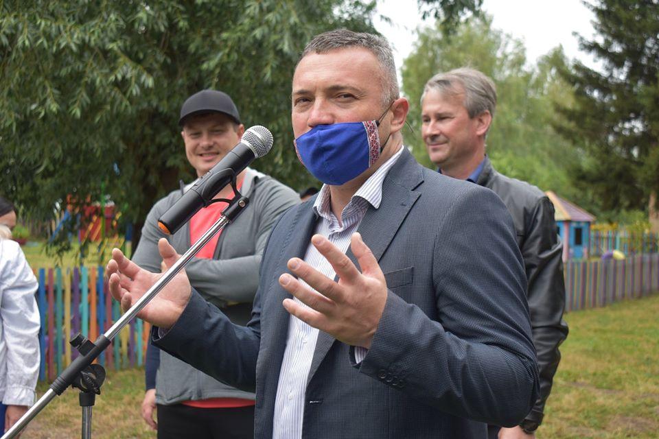 Відкриття воркаут-майданчика у Волошинівці. Фото