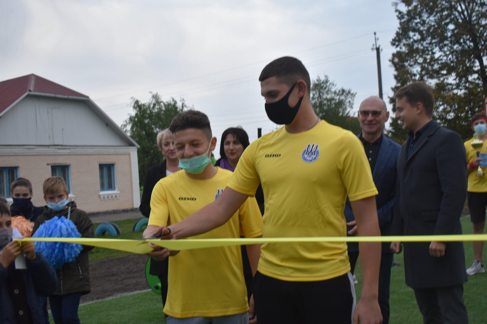Відкриття воркаут-майданчиків у Васильківському районі. Фото