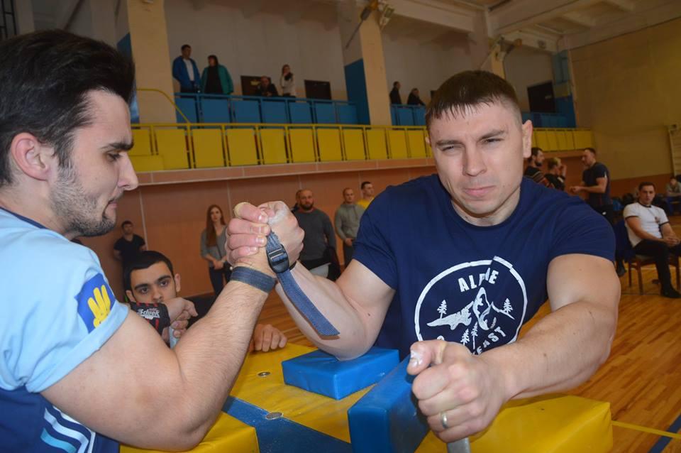Чемпіонат Київської області з армспорту. Фото