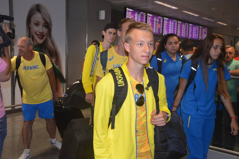 Зустріч в аеропорту легкоатлетів. Фото