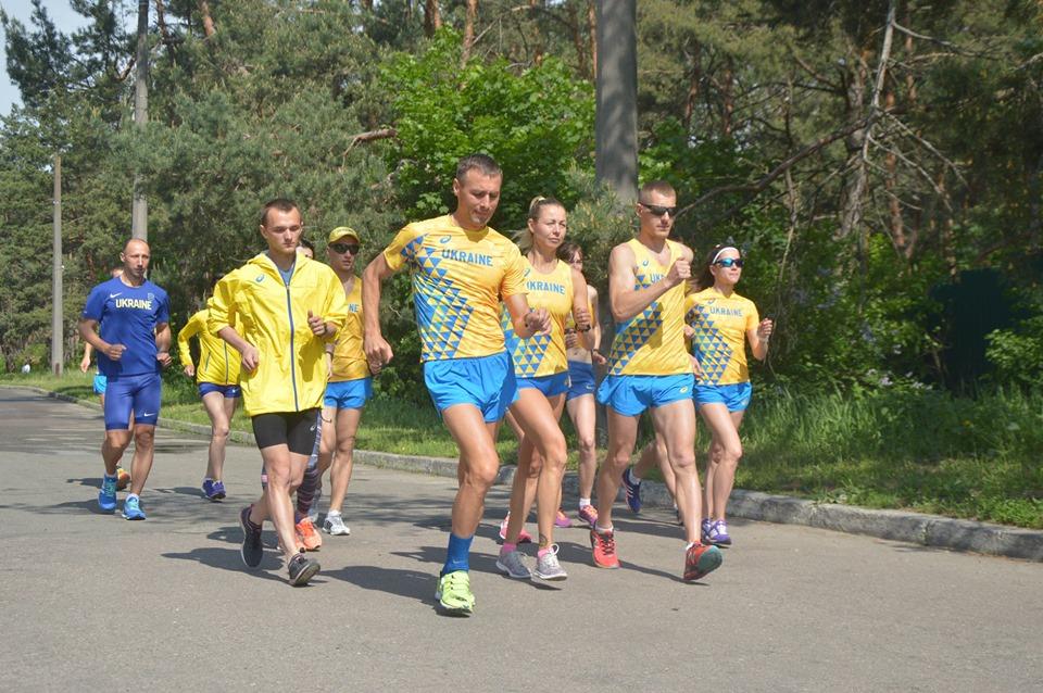Тренування легкоатлетів, майстер-клас для журналістів. Конча-Заспа. Фото