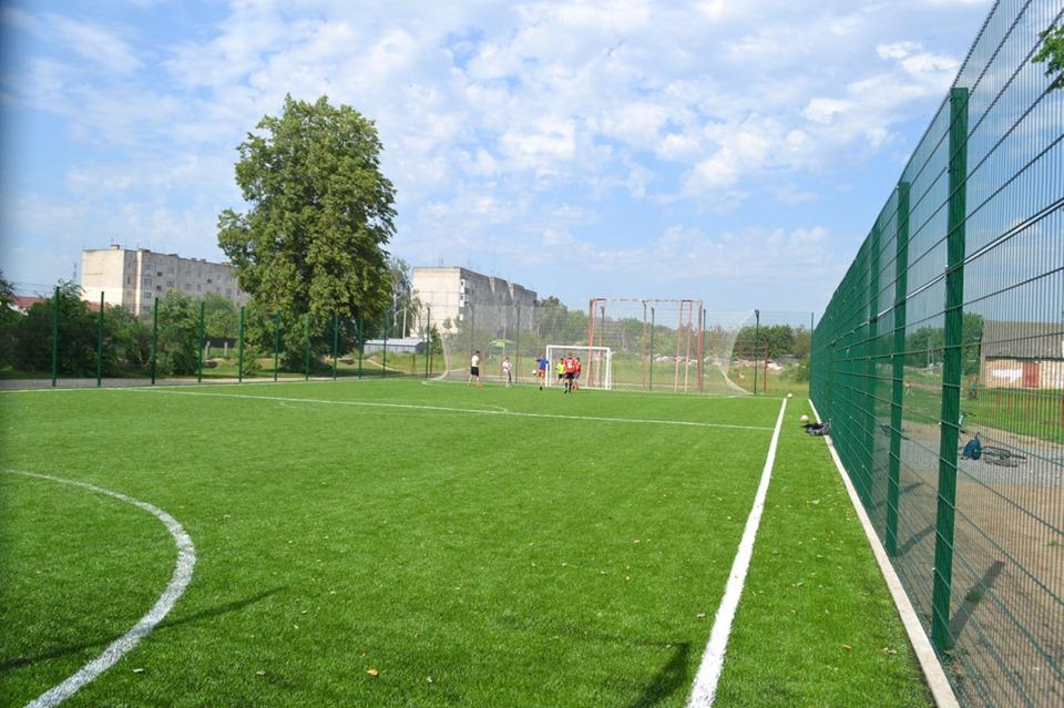 Відкриття спортивного майданчика в Димері. Фото