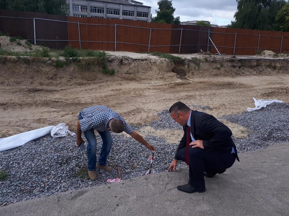 Будівництво стадіону у Борисполі. Фото