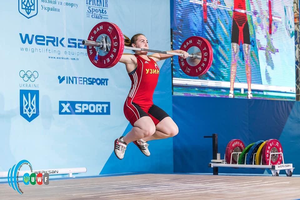 Чемпіонат України з важкої атлетики серед чоловіків і жінок. фото