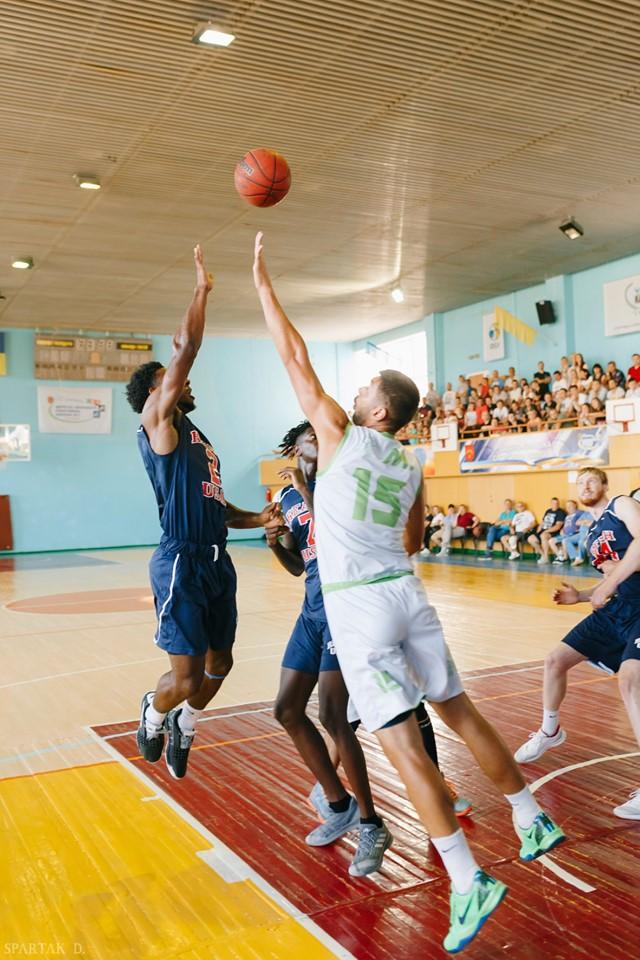 Рух Молоді (Біла Церква) - Sport Reach (студентська збірна США). Фото