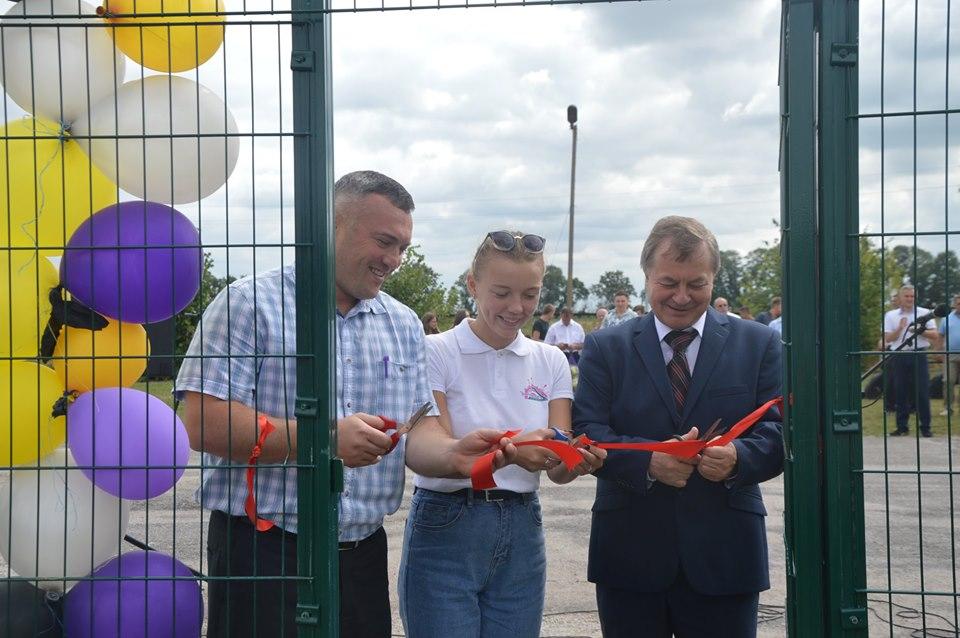 Відкритя міні-футбольного майданчика, Телешівка. Фото