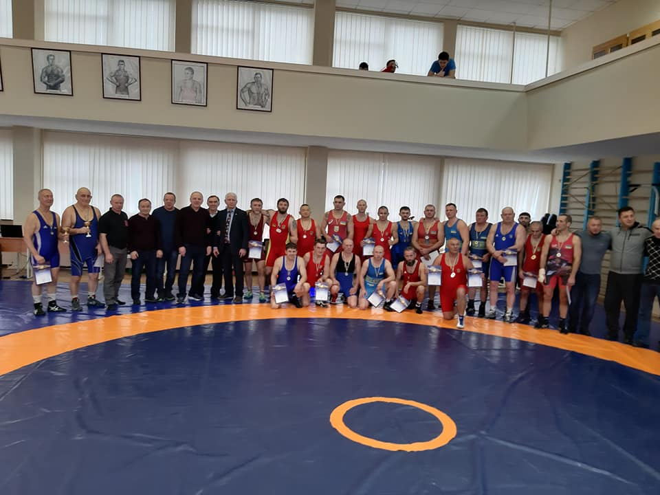 Турнір зі спортивної боротьби серед ветеранів. фото