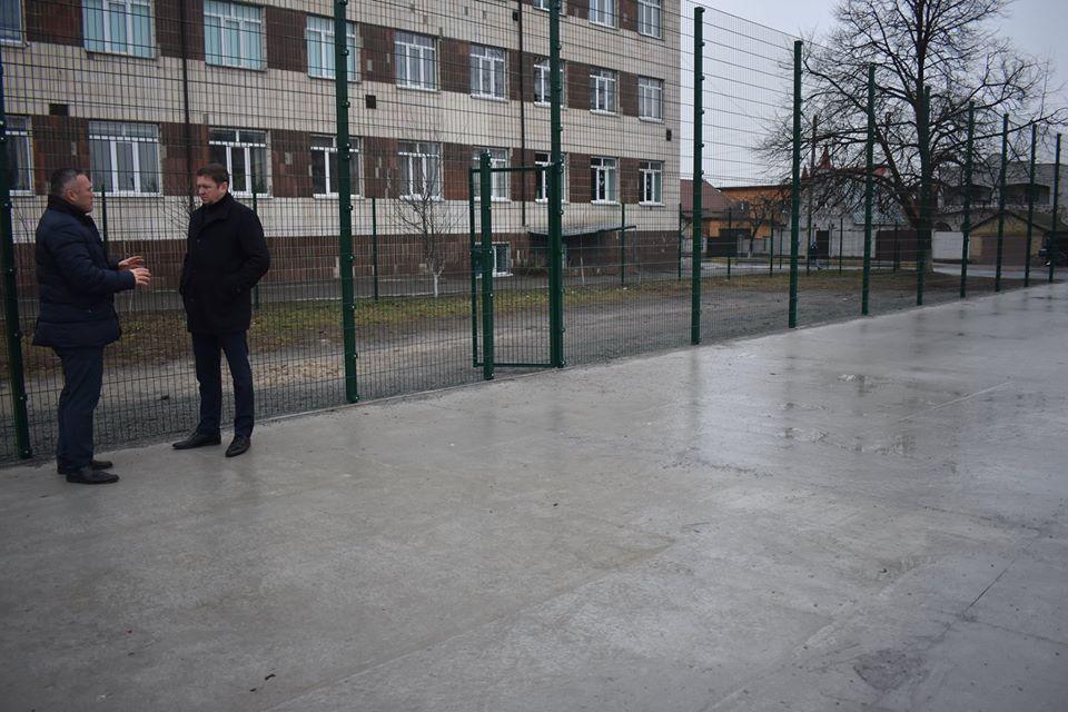 Будівництво мультифункціональних майданчиків, Калинівка. Фото