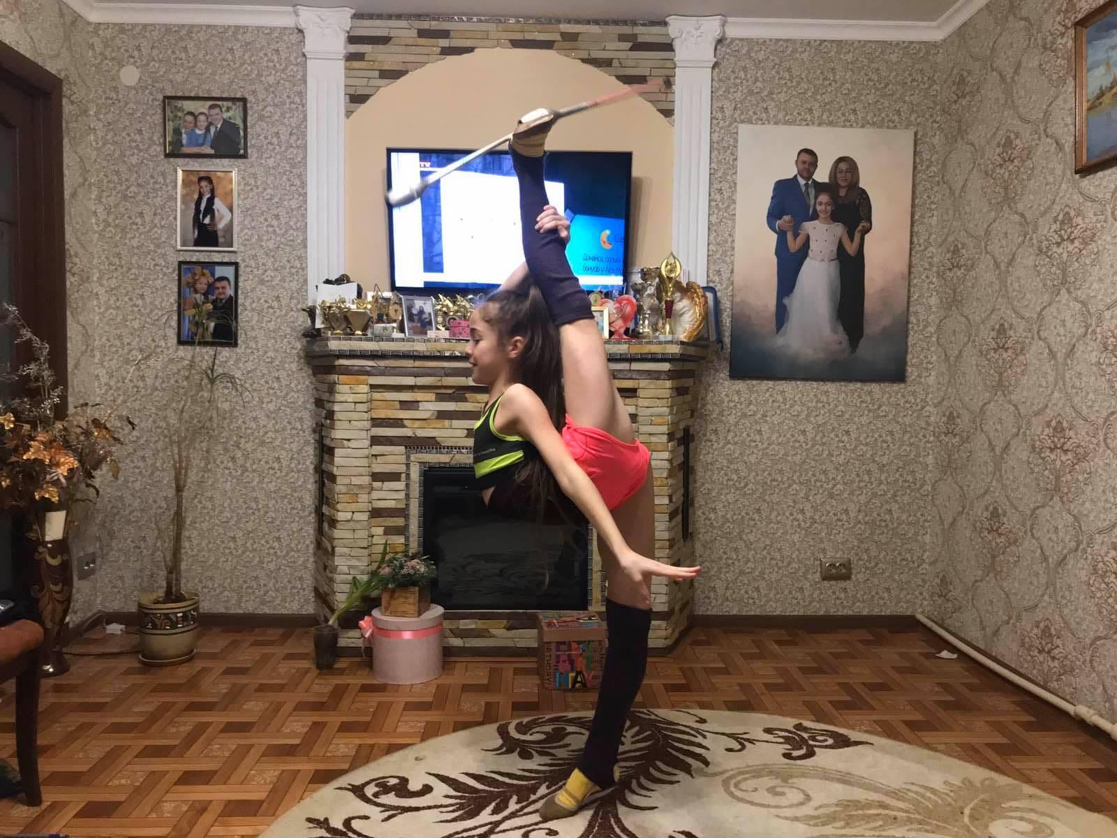 Спорт вдома від вихованок Жанни Черненко. Фото