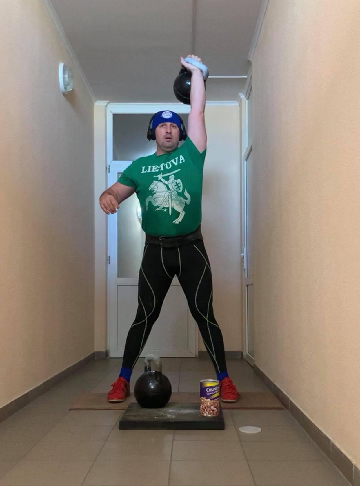 Спорт вдома від Валентина Бербеничука. Фото