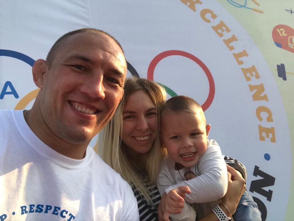 Спорт вдома від Валерія Андрійцева. Фото