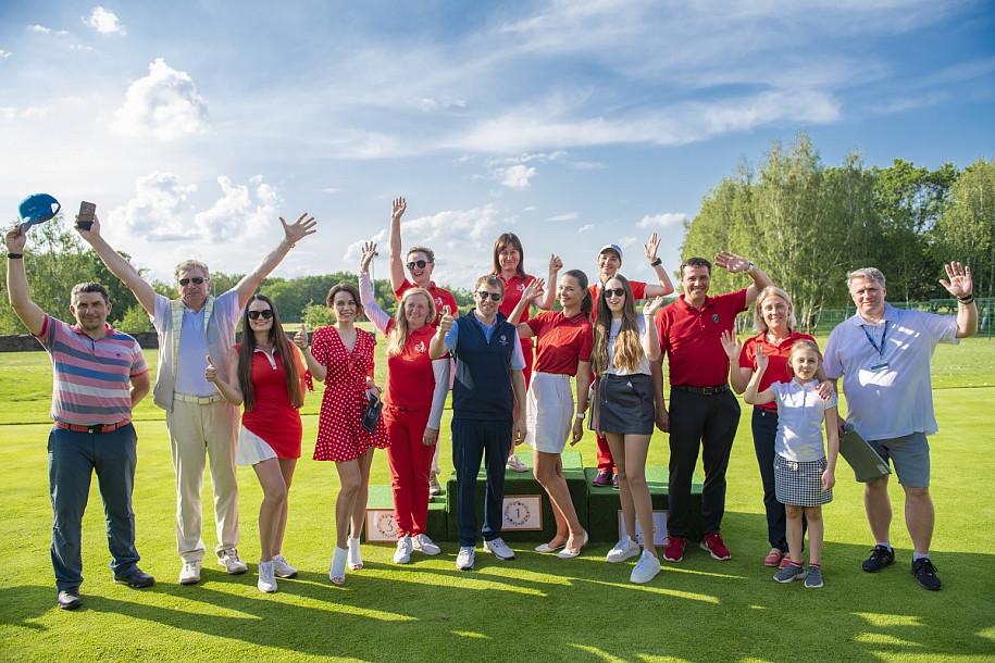 Жіночий турнір з гольфу, Козин. Фото