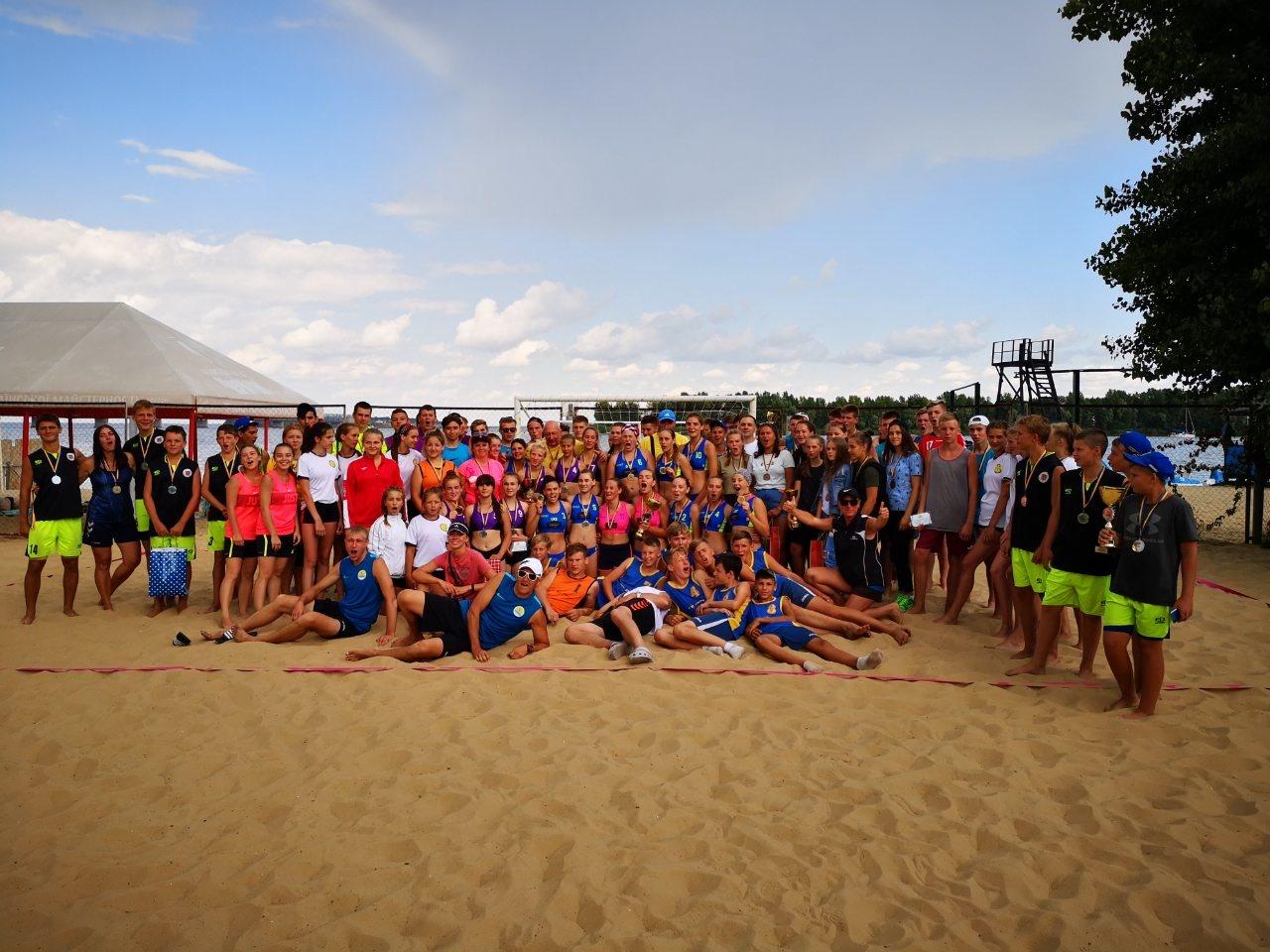 чемпіонат України з пляжного гандболу у Черкасах. ффото