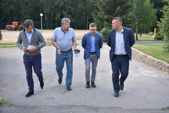 Мультифункціональний майданчик, Володарка. Фото