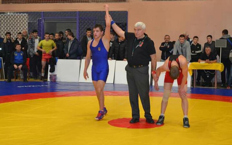 Турнір з вільної боротьби Олександра Медведя. Фото