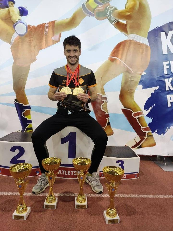 Павло Замятін стає найкращим бійцем Кубка Європи з кікбоксингу WAKO. фото