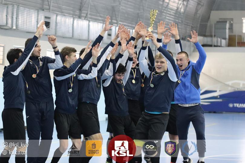 аматорський турнір з футзалу. фото