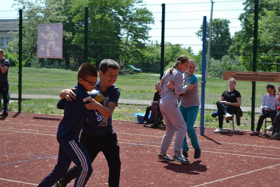 Спортивні уроки у школах Бориспільщини. Фото