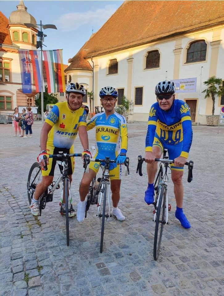 Міжнародні змагання з велоспорту мастерс. Фото