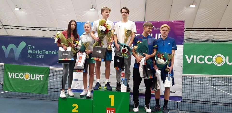 Міжнародний тенісний турнір VICCOURT CUP. Фото