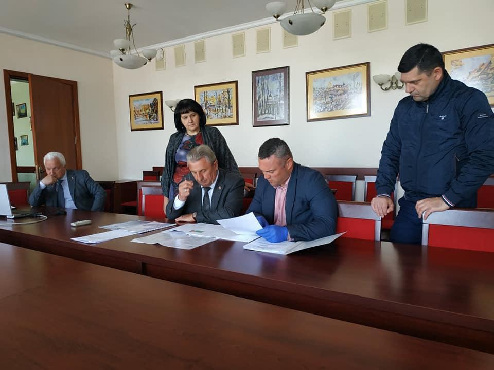 Будівництов спортивного майданчика в Борисполі. Фото