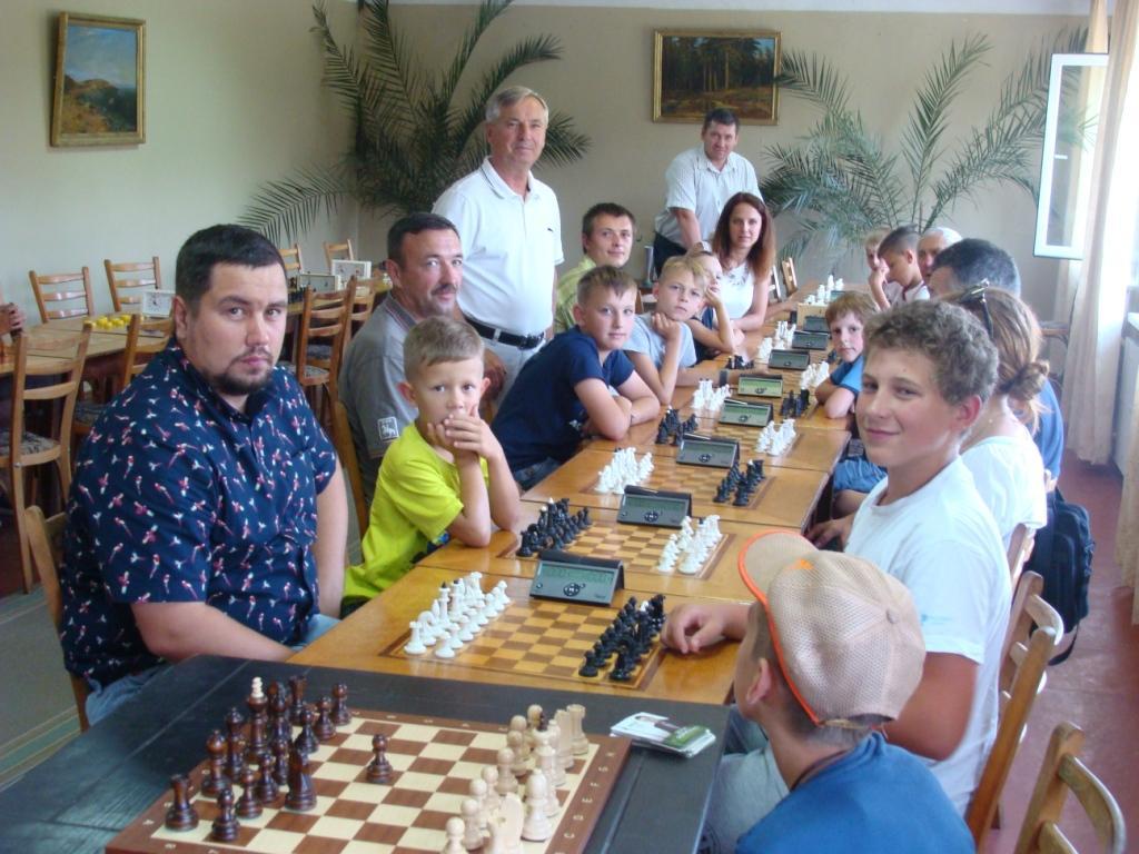 Турнір з шахів, Березань. Фото