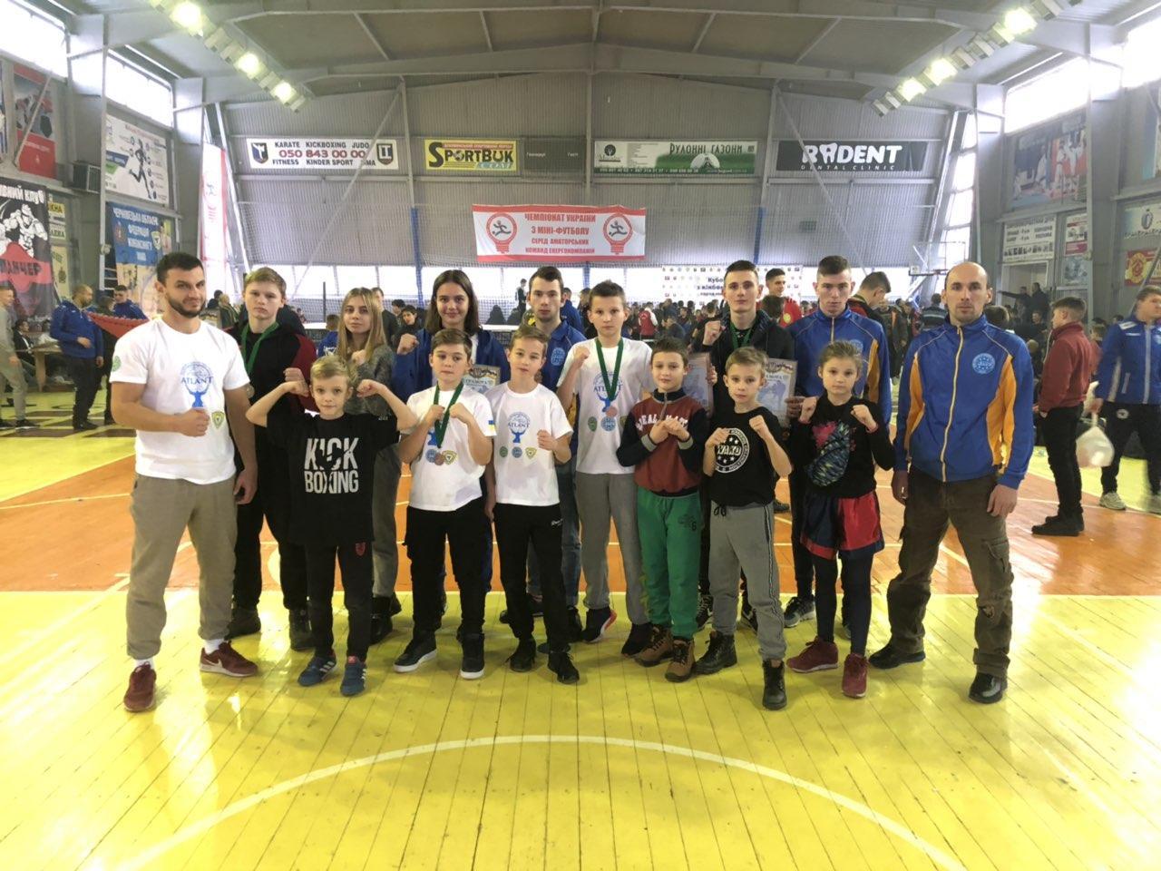 В перші дні зими Чернівецька область приймала Кубок України серед юнаків та юніорів з кікбоксингу WAKO. Фото