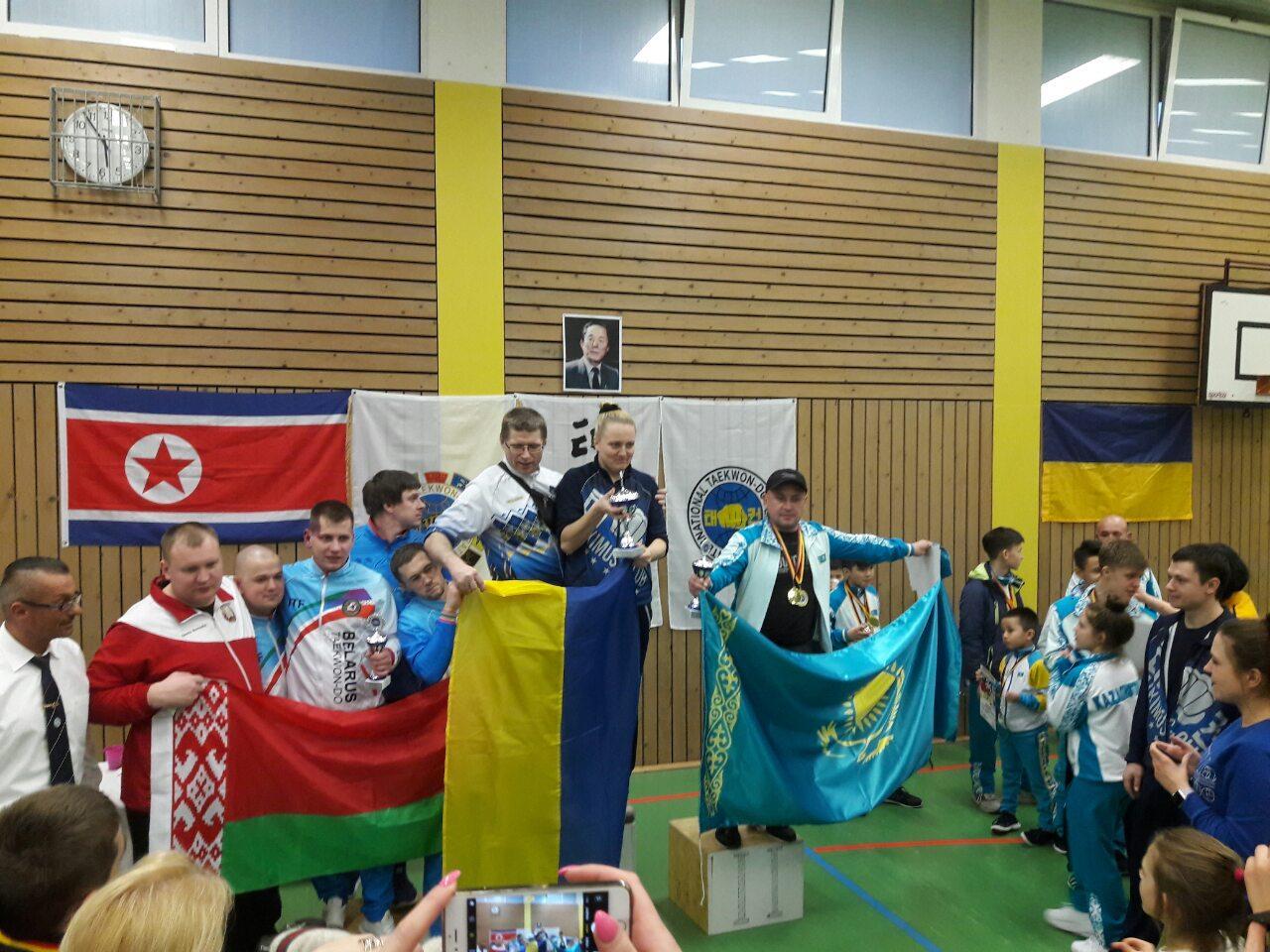 Міжнародний відкритий чемпіонат Німеччини з таеквон-до ІТФ. фото