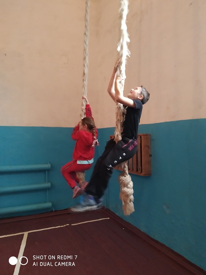 Спортивний урок на Київщині Сооl Games. Фото
